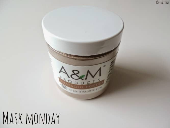 MASK MONDAY:  A&M Products Ghassoul poeder