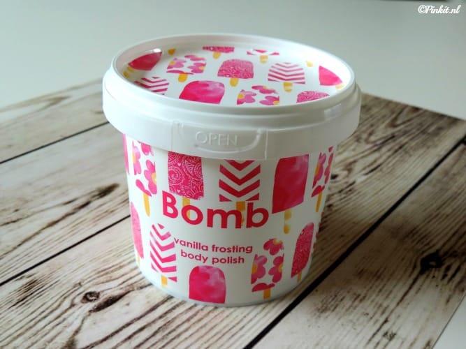 bombcosmetics1