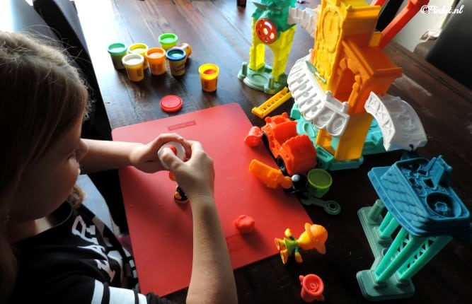 KIDS | PLAY-DOH TOWN