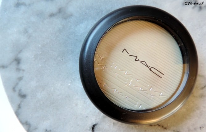 BEAUTY | MAC EXTRA DIMENSION SKINFINISH HIGHLIGHTER SOFT FROST