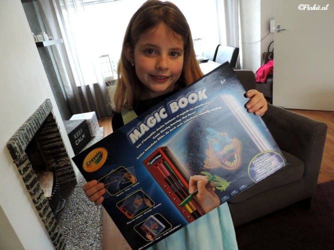 KIDS | CRAYOLA MAGIC BOOK