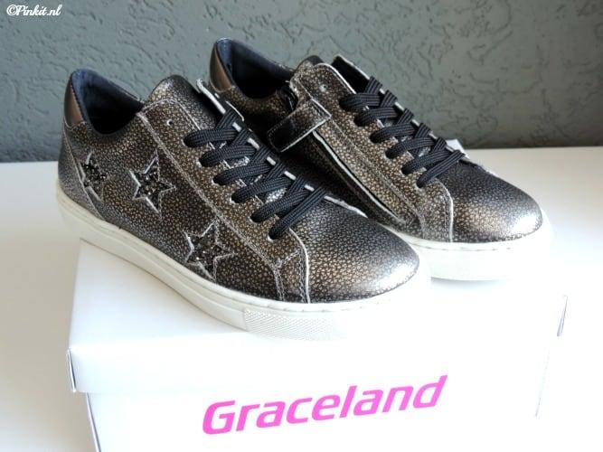 """7b24faab6f7 """"Wil je met de laatste mode meelopen? Dan loop je in Graceland schoenen van  vanHaren. In de vanHaren winkels tref je een uitgebreid assortiment  betaalbare ..."""