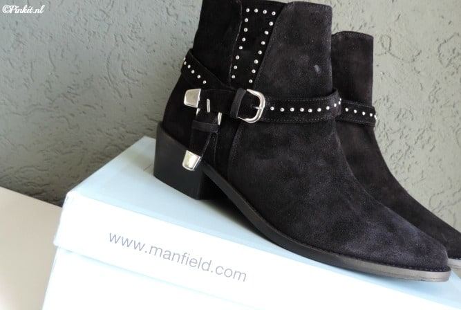 FASHION | BLACK BUCKLE BOOTS