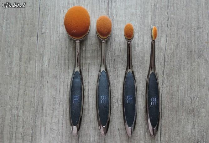 Be Creative Makeup Oval Brush Set