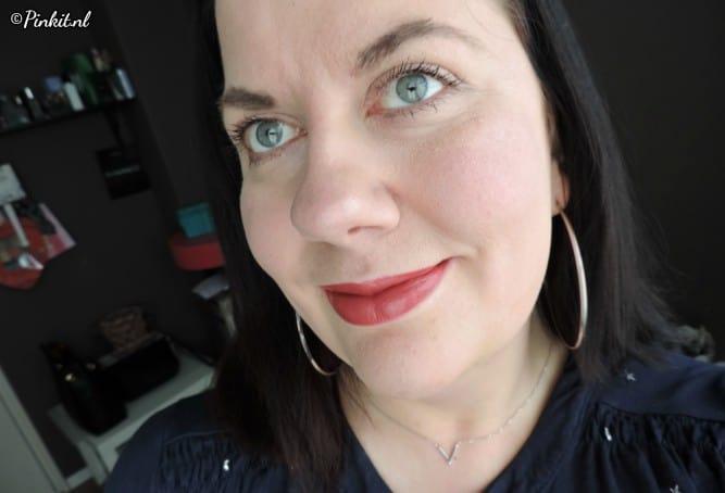 L.O.V Lipaffair Color & Care lipstick