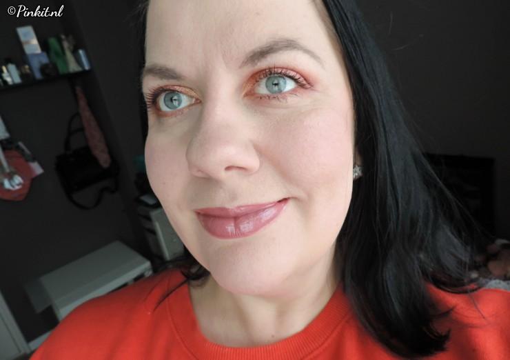 essence Ho!Ho!Ho! eyeshadow palette 01 Jingle All The Way