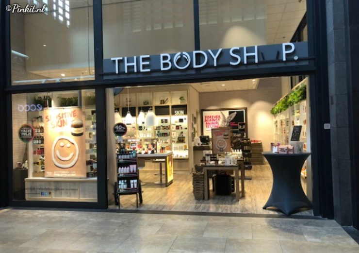THE BODY SHOP FAIR TRADE GERECYCLED PLASTIC & ONTVANG EEN GRATIS SHAMPOO OF CONDITIONER