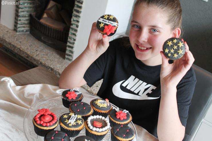 Samen met Sterre Black Friday Cupcakes maken