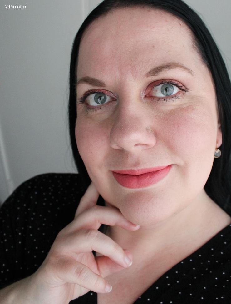 Een paar weken geleden heb ik een artikel geschreven over diverse nieuwe wenkbrauwproducten van het merk Christian Faye, inmiddels zijn er ook diverse nieuwe oogschaduw paletten aan het assortiment toegevoegd. Ik heb twee Christian Faye oogschaduw paletten ontvangen en daar vertel ik in dit artikel wat meer over...