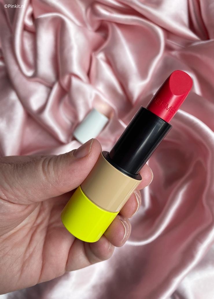 Ik had al een tijdje de HèrmesRouge Hèrmes Satin Lipstick Rose Oasis op het oog en dacht omdat het een limited edition kleur is...die ga ik toevoegen aan mijn collectie.