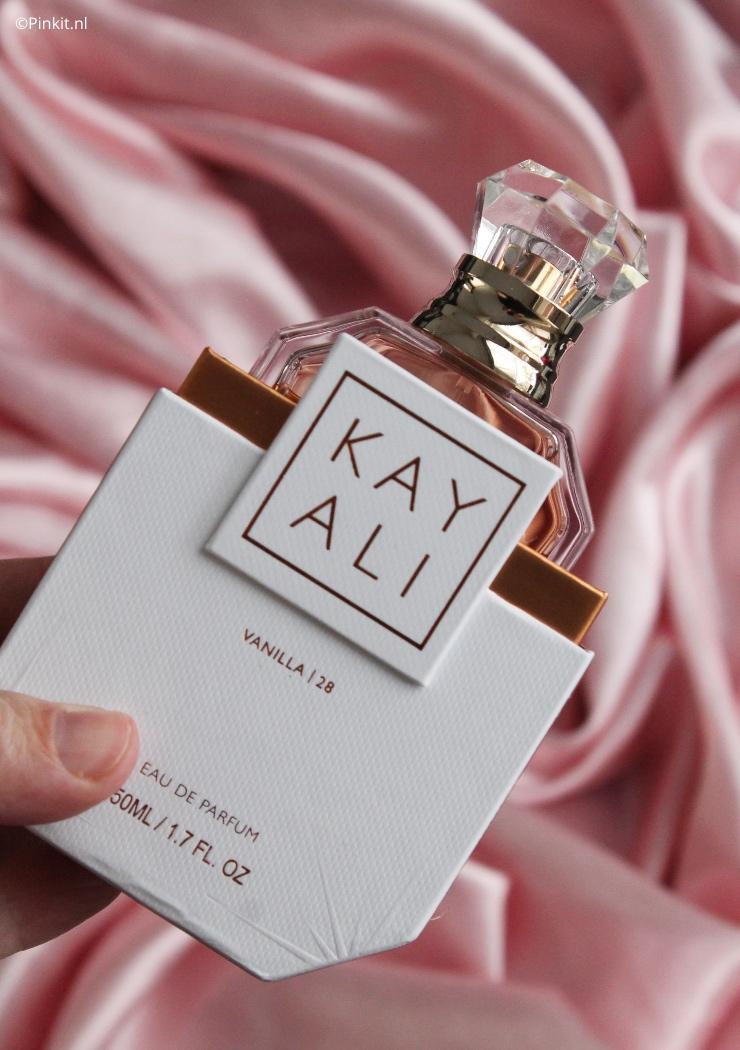De producten van Huda Beauty & KAYALI zijn al een tijdje te koop in Nederland én vanaf dag één heb ik de Vanilla   28 Eau de Parfum op mijn wishlist staan. Een paar weken terug had Ici Paris XL 25% korting op alle parfums en toen plaatste ik ook direct een bestelling, Vanilla   28 was steeds uitverkocht en dit keer had ik meer geluk!